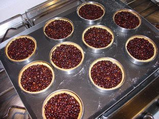 Small tarts baked blind