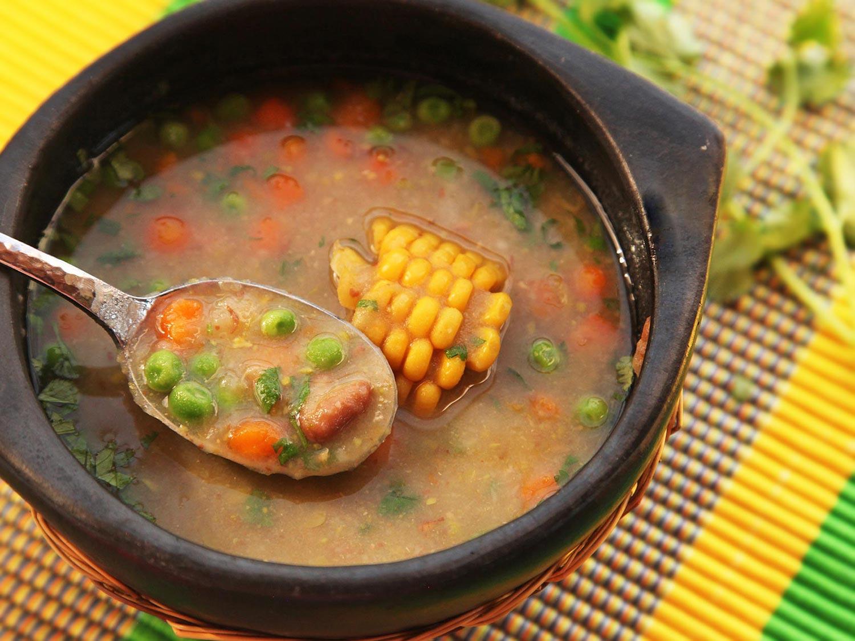 20151228-vegetarian-soup-recipes-roundup-05.jpg