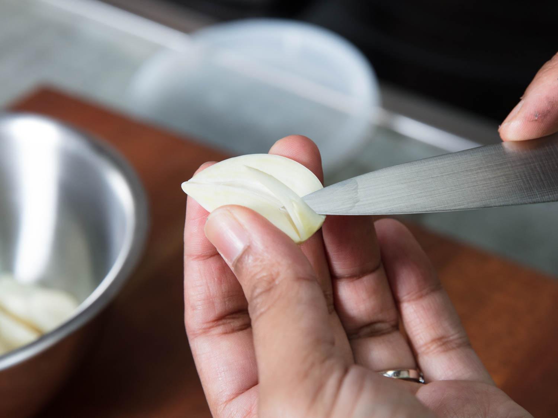 20170919-toum-garlic-sauce-vicky-wasik-1.jpg