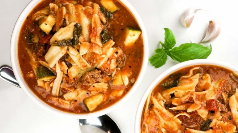 Vegetarian Slow Cooker Lasagna Soup