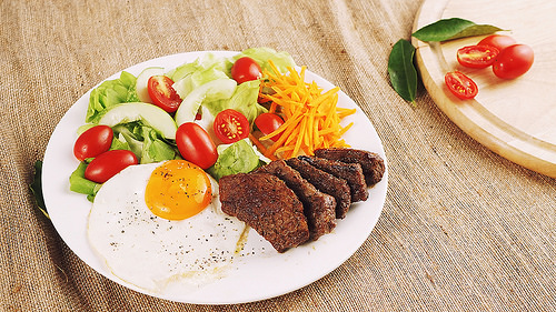 Low carb Grilled Beef Salad