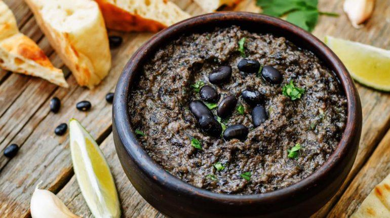 Black Bean Hummus - Slender Kitchen