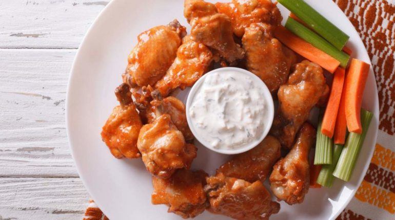 Baked Buffalo Wings - How to Make Super Crispy Win...